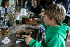 What's better than a delicious asado on a wooden table with good friends?  Pretty sure nothin'!