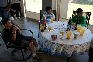 Kids table with choripan